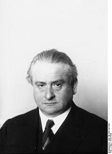 220px-Bundesarchiv_Bild_146-1987-027-033,_Alfons_Goldschmidt