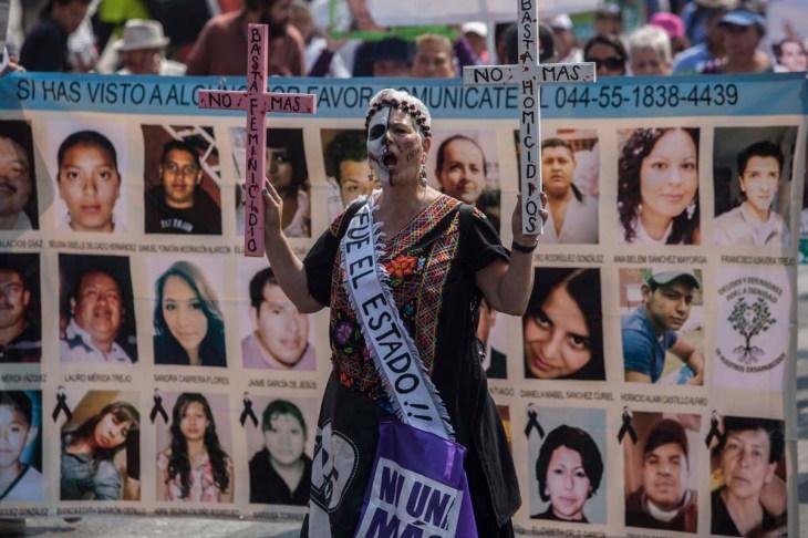Marchan madres de victimas de desaparicion forzada.